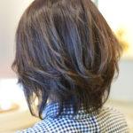 アッシュブラウンのヘアカラーとはどんな色に染まるのか?