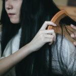 髪の毛が絡まる時のほどきかたと抜けるのを防ぐ方法